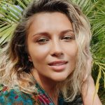 Lora, izolată în Bali de 4 luni
