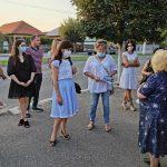 15:33 Luminița Popescu, la discuții cu locuitorii din Vădeni