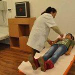 06:32 Guvernul dă undă verde la angajarea de medici și asistenți medicali în școli