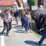 08:21 PROTEST la înmormântarea femeii ucise de Mihai Dafinescu