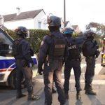 06:42 Profesor de istorie, decapitat în apropiere de Paris. Atacatorul, ucis de poliţie