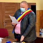 Ce primar de comună vrea să angajeze administrator public