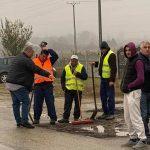 09:57 Primarul a început plombarea drumului județean