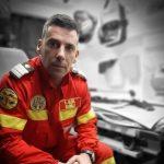 10:04 Un pompier ISU Gorj, dat ca exemplu de MAI. A salvat, prin telefon, un copil de 3 ani
