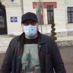 13:02 VIDEO. A amenințat că-și dă foc în fața Prefecturii Gorj