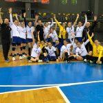 17:46 VICTORIE şi-n ultima partidă a turneului. Romanescu le felicită pe handbalistele CSM