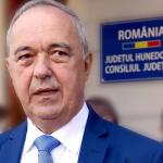 14:50 Președintele Consiliului Județean Hunedoara, pozitiv la testul COVID-19