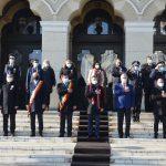 13:19 Ziua Națională, fără paradă. Discursuri, dansuri și muzică populară la Târgu-Jiu