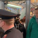 23:01 Alexei Navalnîi, arestat la sosirea la Moscova. SUA: Navalnîi ''trebuie eliberat imediat''
