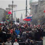 22:46 Proteste la Moscova: Cel puţin 40.000 de oameni au ieşit în stradă la îndemnul lui Navalnîi