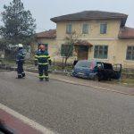16:00 A intrat cu mașina în stâlp