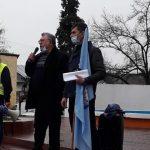 10:08 Minerii protestează în Piața Prefecturii