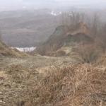 15:15 Alunecări de teren într-un sat din Drăguțești. Primarul se teme de un dezastru