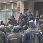 13:17 Zeci de mineri de la Lupeni continuă protestul declanşat în subteran