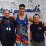 19:40 Lupte libere: Beşliu şi Popescu, calificaţi la turneele finale ale CN şi Cupei României pentru juniori