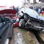 18:50 Accident la Peşteana. Şoferii au ajuns la spital