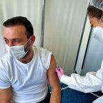 Vedetele se întrec în poze și mesaje după vaccinul anti-Covid