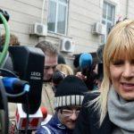 12:51 Elena Udrea, 8 ani de închisoare cu executare. Ioana Băsescu, 5 ani de închisoare cu executare