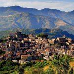 O localitate italiană vinde aproape 900 de case abandonate la preţuri pornind de la 1 euro