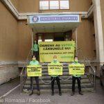 """Greenpeace, protest la Ministerul Energiei. """"Oamenii au viitor, cărbunele nu"""""""