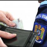 20:59 Șofer din Vîlcea, condamnat cu suspendare după ce a dat mită unui polițist din Săcelu