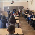 Universitățile din orașele mari caută studenți în liceele din Gorj