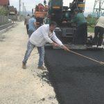 Târgu-Jiu: A început asfaltarea în cartierul Narciselor