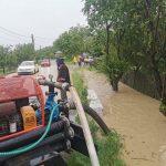 14:58 Gospodării inundate la Târgu-Jiu și Jupânești