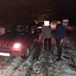 13:36 Turiști din Craiova, blocați pe un drum înzăpezit de pe Cheile Sohodolului, salvați de jandarmii montani
