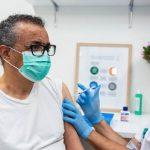 09:13 Șeful OMS s-a vaccinat împotriva Covid-19