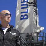 """""""Nu-i permiteţi lui Jeff Bezos să revină pe Pământ"""". Peste 85.000 de oameni au semnat petiția"""