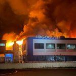 10:09 Incendiu devastator la fabrica de frigidere. Aproape 1000 de persoane au rămas fără locuri de muncă