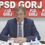 15:55 Weber: Cîțu vrea să-și cumpere voturile pentru șefia PNL cu metoda folosită de Orban