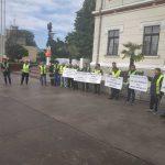 """Lideri de la Ișalnița, la protestul din Piața Prefecturii. """"Susținem proiectul de lege"""""""