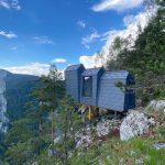 Refugii montane panoramice, amplasate în premieră în România