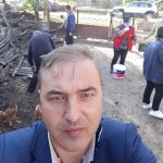 08:58 Angajații primăriei, la curățenie la o familie săracă