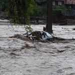13:01 Precipitaţii istorice, de 250 l/mp, în judeţul Alba