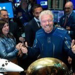 Miliardarul Richard Branson, aterizare în siguranţă după o scurtă aventură spaţială