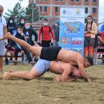 Beşliu şi Popescu, în finala campionatului de lupte pe plajă