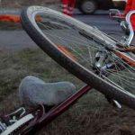 10:16 Biciclist acroșat de mașină la Cătunele