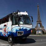 Un autobuz care pluteşte pe Sena, cea mai nouă atracţie turistică din Paris