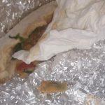 Bandaj cu sânge în burger. Val de amenzi la restaurantul din Rovinari