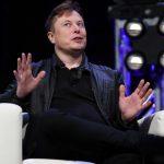 Tesla construiește un robot umanoid capabil să ne facă cumpărăturile