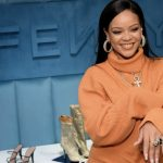 Rihanna, cântăreaţa cea mai bogată din lume, a devenit miliardară