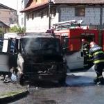 13:11 Mașină, făcută scrum pe o stradă din Târgu-Jiu