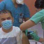 10:49 Ministrul interimar al Sănătății, Cseke Attila, s-a vaccinat cu a treia doză de ser anti-COVID