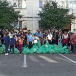 13:16 FOTO. Grămezi de gunoaie strânse de mii de voluntari, la Târgu-Jiu, Motru și Rovinari