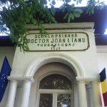 08:29 Școală reabilitată de părinți și profesori